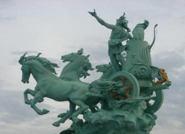 Paris (75) Restauration des quadriges du Grand Palais